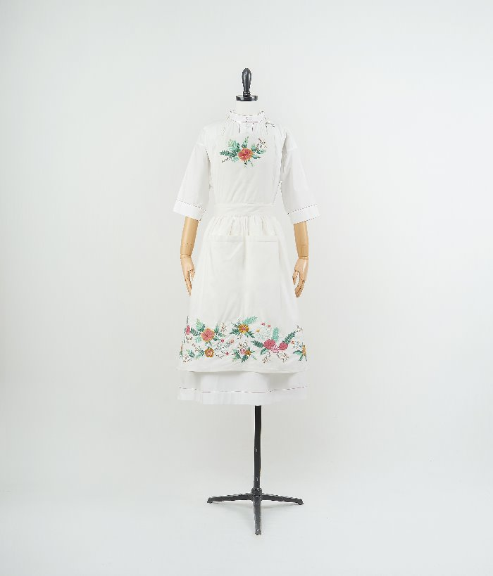 Embroidered apron_flower