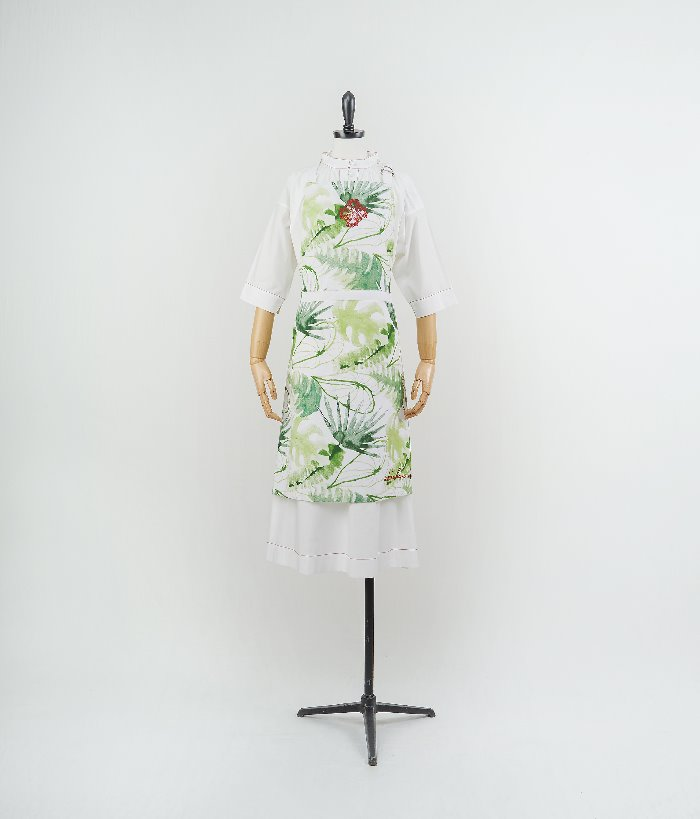 Embroidered apron_leaf